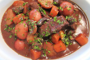 Tiger Rice Cooker Review: Hearty Red Wine Beef Stew